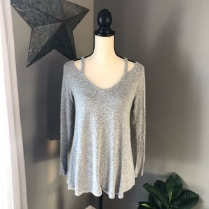 Moa Moa | Gray Cold Shoulder Sweater